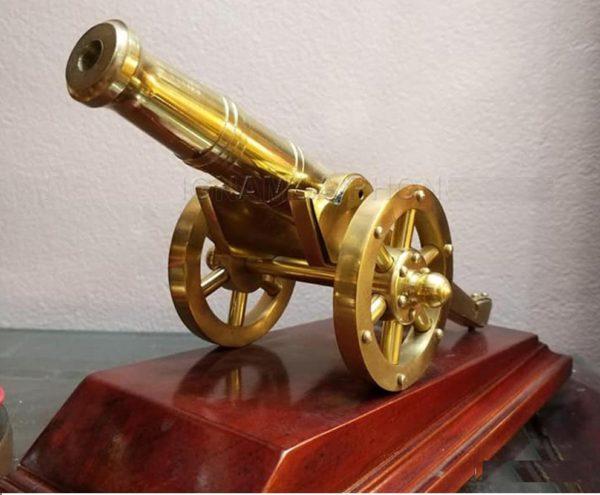 Mô hình đại phái súng thần công bằng đồng