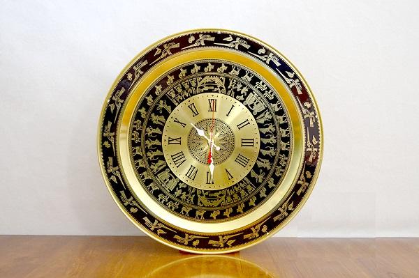 chiếc đồng hồ trống đồng được bán tại hà nội