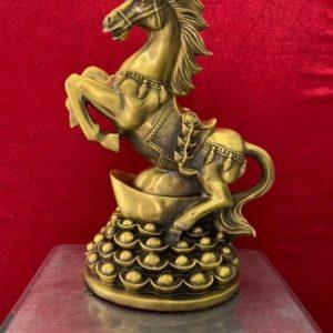 Ngựa Mâm Vàng bằng đồng phong thủy